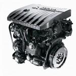 Czarny silnik Diesel montowany w pojazdach osobowych